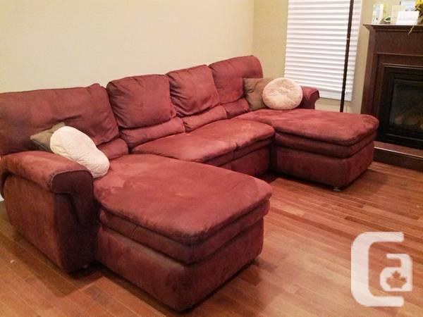 LA-Z-BOY SECTIONAL COUCH with OTTOMAN - $875