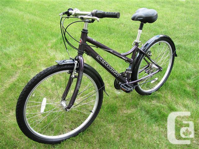 Ladies City Bike ~ Schwinn Frisco