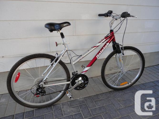 Ladies RALEIGH Commuter Mountain Bike Like new!