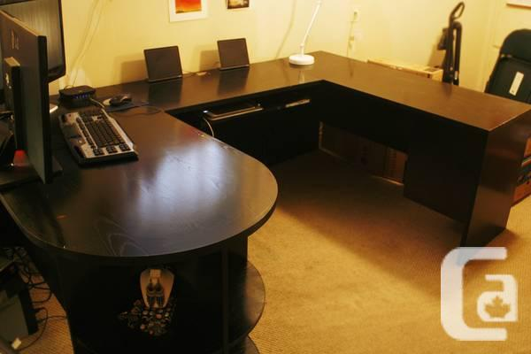 LARGE, contemporary U-shaped office table that is