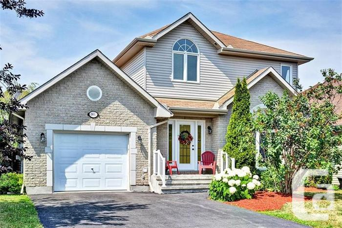 Large detached home with 3 beds, 3 baths and single car