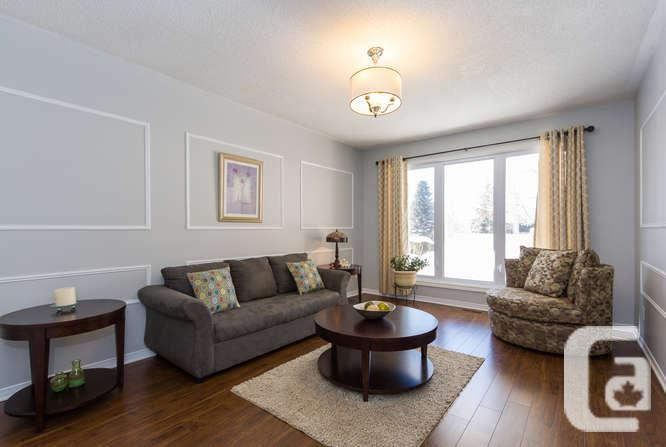 ***LARGE FAMILY HOME ON PRIVATE LOT - COMPLETELY