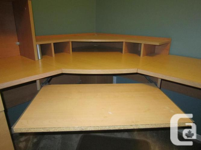 Large U Shaped Desk For Sale In Nanaimo British Columbia