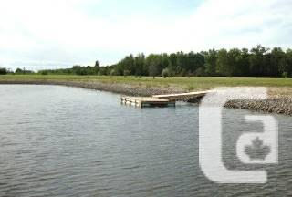 Large Waterfront Lot near Gimli w/ room for Personal