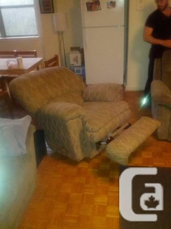 Lazy Boy Recliner - Mint Condition - $200