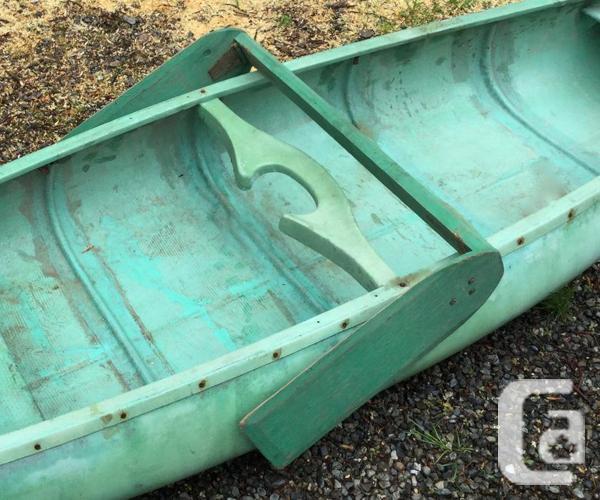 Light Weight 15ft - 52 lb canoe