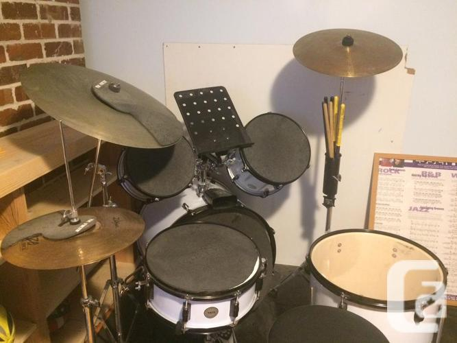 Like new Taye Drum kit