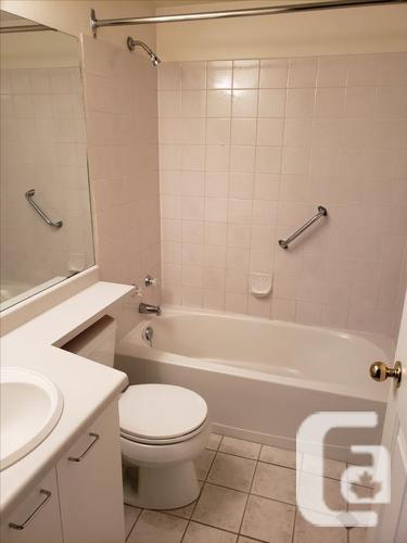 Looking for Roommate in2 bed 2 bath