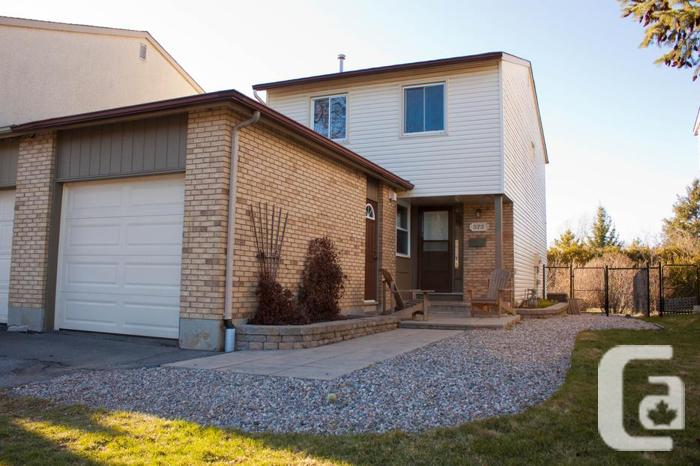 Lovely home with no rear neighbours for rent in orleans in for Garage ad orleans