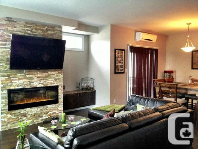 Luxurious and spacious condo-Available immediately