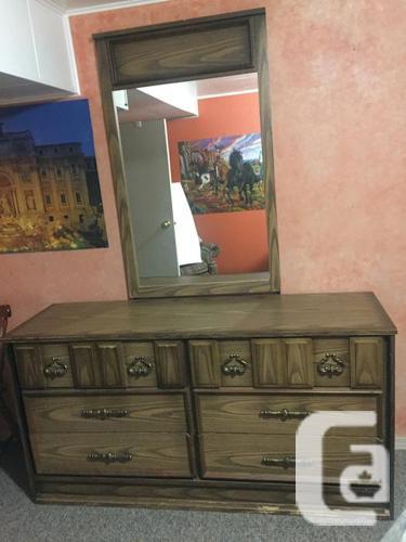 Matching 4-piece Queen Bedroom Suite $150. obo