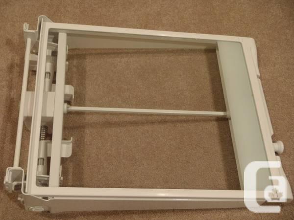 Maytag refrigerator interior parts - Model MBB1954GEW -