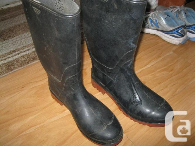 MEN's Rubber Boots - size 9