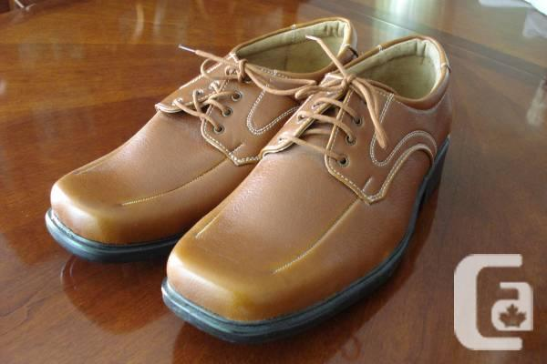 Mens Casual / Dress Shoes - Brown - Size 10 - Never