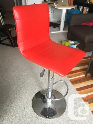 Mobler bar stools must be sold!