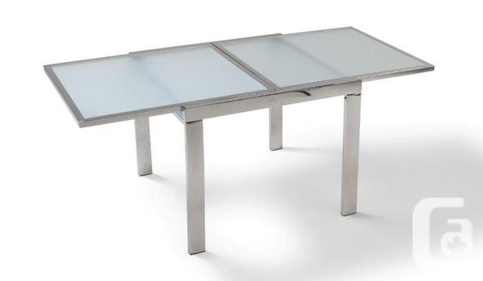MODERN GLASS amp CHROME EXTENDABLE DINING TABLE For Sale In