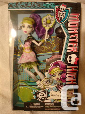 Monster High 2013 Ghoul Sports SPECTRA VONDERGEIST Doll