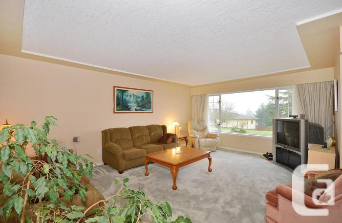 NEW PRICE...Mountain & Oceanviews in Cobblehill,