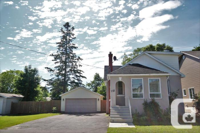 NEW PRICE *POWER OF SALE* Large Lot, Home Needs TLC