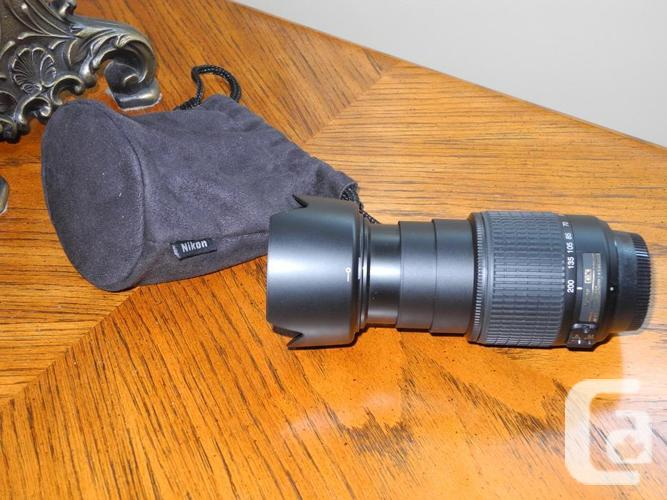 Nikon AF-S 55-200mm Zoom Lens in mint unused condition.