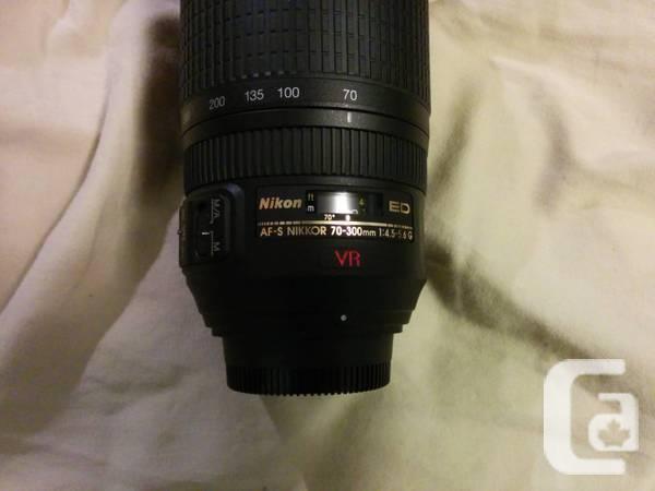 Nikon AF-S 70-300mm Nikkor ED 4.5-5.6 - $300