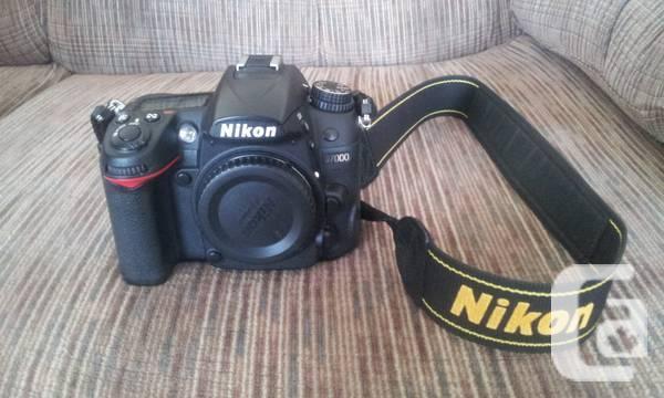 Nikon D7000 AF S 16-85 y/3.5-5.6 VR - $999