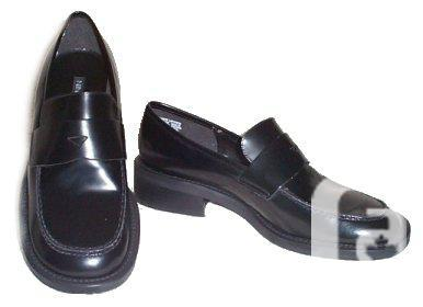 Nine Black Common Loafers - NEW - 6