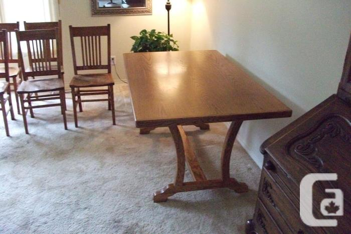 Oak dining room table and 5 chairs for sale in victoria for Dining room tables victoria