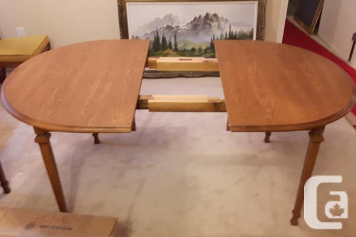 Oak Dining Room Table And China Cabinet For Sale In Nanaimo British Columbia