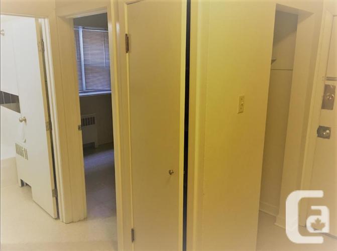 Osborne Area Large Renovated 1 Bedroom