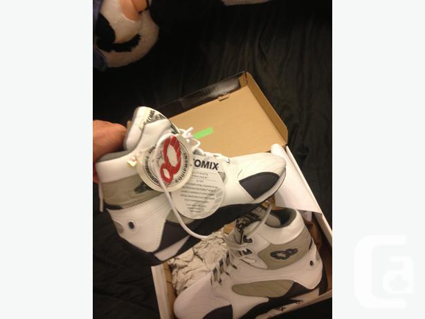OTOMIX ULTIMATE TRAINER SHOE SIZE 12 AVAILABLE