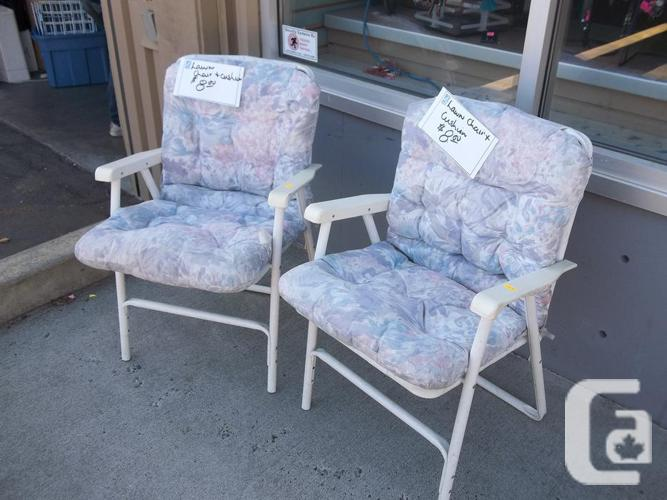 Patio chair with cushion for sale at st vincent de paul on for Outdoor furniture victoria bc