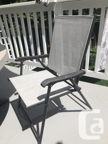 Patio table, umbrella, 4 folding chairs -EUC. Concrete