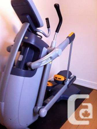 Precor 100I Flexible Movement Elliptical Trainer - 00