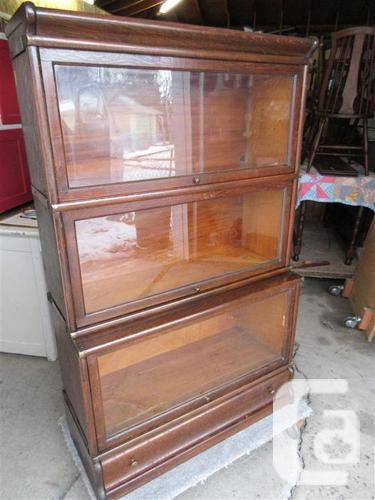 PROPERTY STACKING BOOKCASE