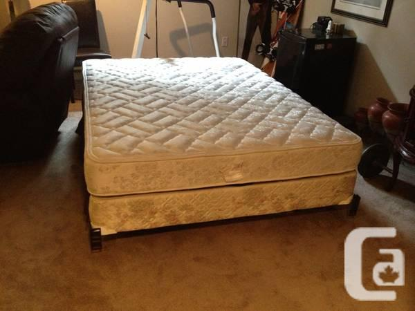 Queen Size Pillow Top Mattress W Box Spring Frame For Sale In Richmond Hill Ontario