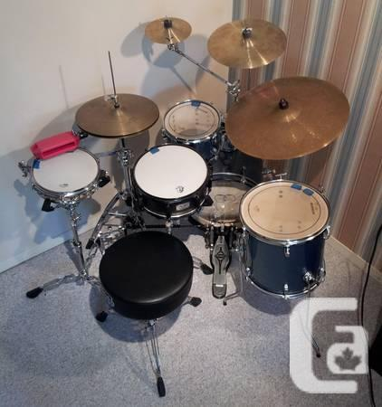 questlove breakbeats by ludwig full drum kit like new for sale in nanaimo british. Black Bedroom Furniture Sets. Home Design Ideas