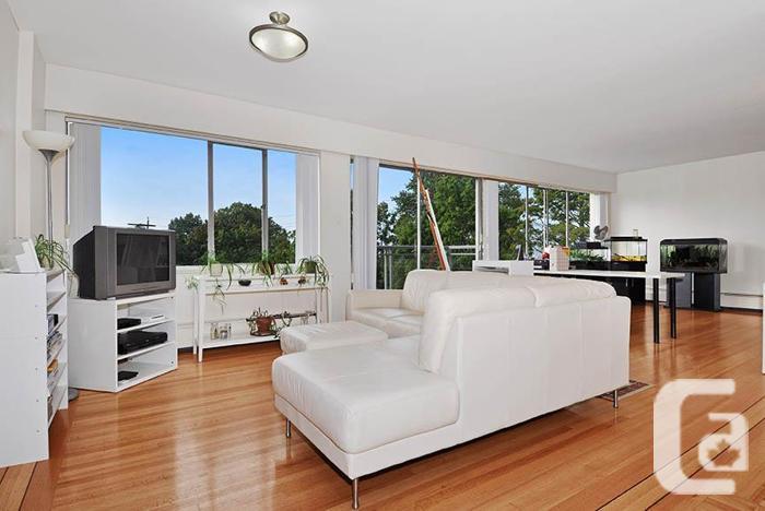 Rare 3 Bedroom Rental Apartment in Kerrisdale! Outdoor