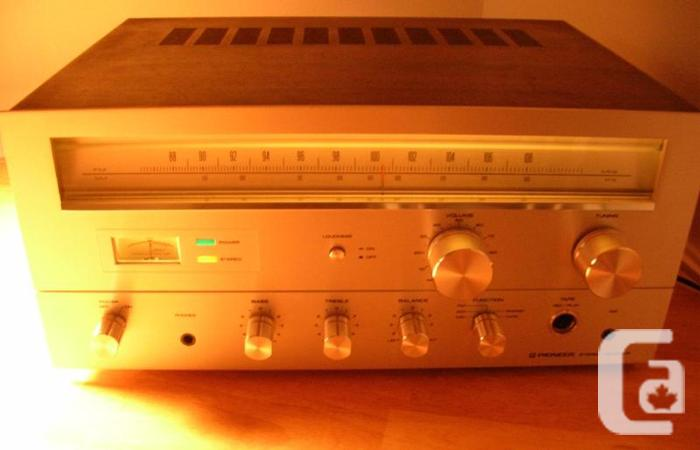 RARE PIONEER RONDO 2000 STEREO RECEIVER AMP *PROPERLY REFURBISHED* in  Orleans, Ontario for sale
