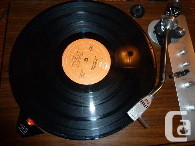 Realistic RD-8100 Direct Drive Turntable beautiful wood
