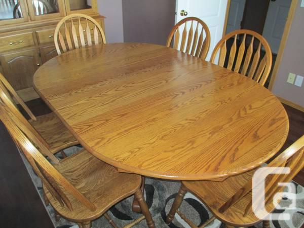 Reduced !!! Table & Chairs plus Buffet & Hutch - $1200