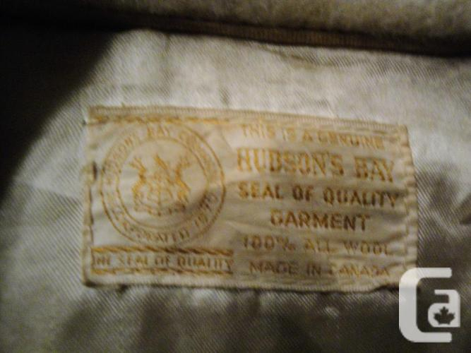 *REDUCED* Vintage Classic Hudson's Bay 100% Wool