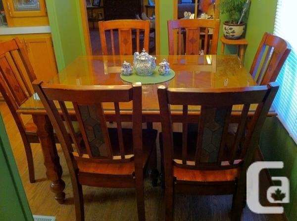 Room desk/6 seats - $400