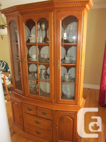 Roxton solid maple china cabinet