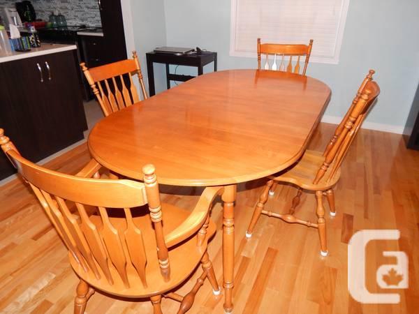 Roxton Table 4 Seats