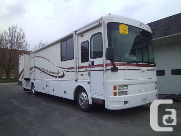 RV- 2000 Fleetwood Discovery Diesel Pusher - $45000