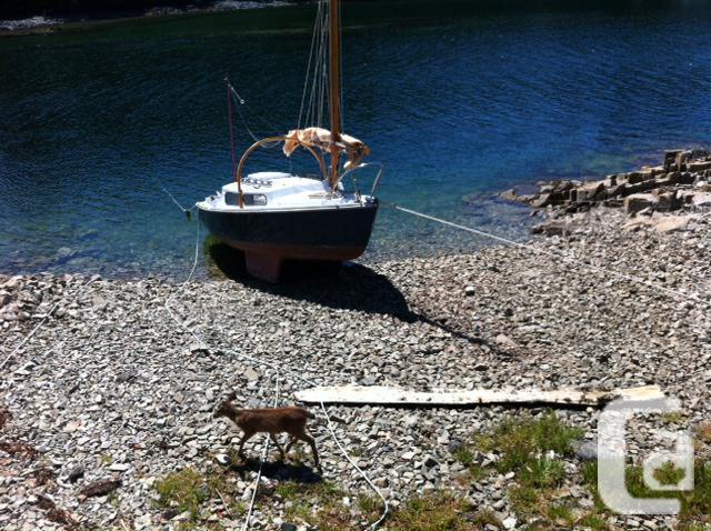 Sailboat For Sale - Vivacity 21 Pocket Cruiser for sale in