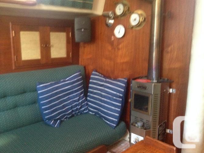 Sailboat Ontario 32