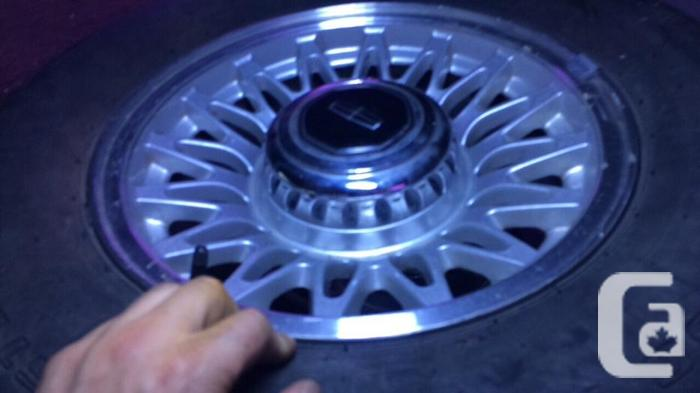 set of 5 ford lincoln 5 bolt 114.3 225 75 r15 rims and
