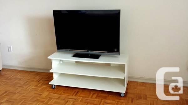 simple ikea tv stand white with shelf on casters for sale in sudbury ontario classifieds. Black Bedroom Furniture Sets. Home Design Ideas